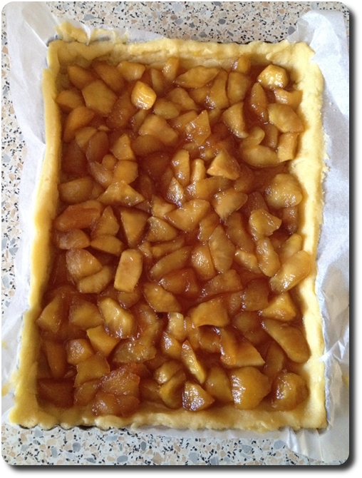 tarte sbriciolata aux pommes caram 233 lis 233 es fa 231 on crumble savoirs et saveurs